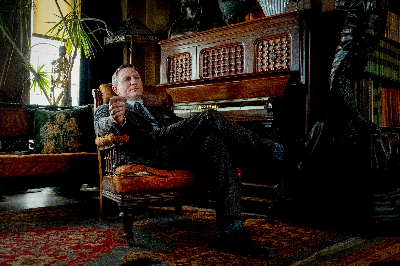 Etsivä Benoit Blancin charmi tehoaa: Daniel Graigin tähdittämä VEITSET ESIIN – kaikki ovat epäiltyjä oli viikonlopun katsotuin elokuva